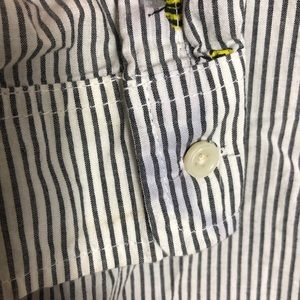 Old Navy Tops - Old Navy bees knees button up shirt